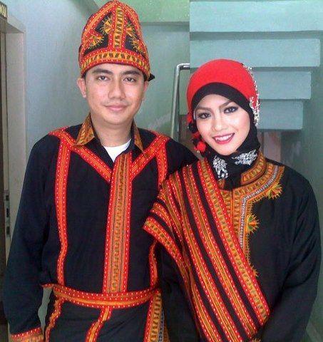 Traditional Clothes of Gayo Serbejadi (Aceh, Sumatra, Indonesia)