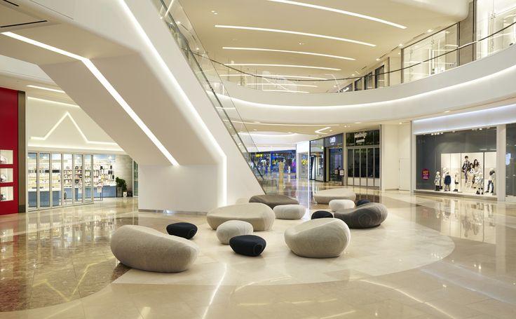 Centre commercial Starfield - COREE DU SUD - Livingstones  Design : A/HUS Photography : Mr. Woo Jin Park http://shop.smarin.net/