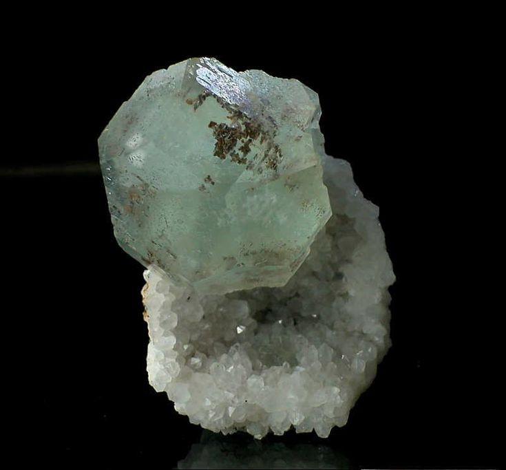 Wonderful Phantom Fluorite with Quartz - Rockshop.cz