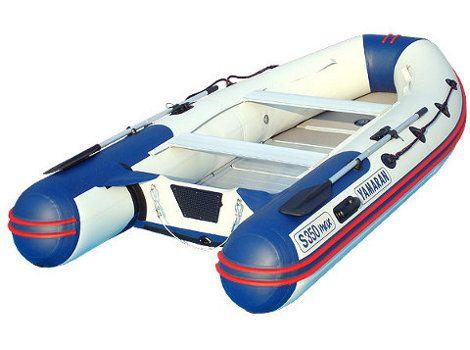 """Лодка Yamaran S350max  Серия """"S"""" Style MAX - великолепный современный дизайн, повышенная обитаемость кокпита и максимальная стандартная комплектация.  Лодки новой серии YAMARAN «Smax» Style — это стильный дизайн и максимальная комплектация. Модели серии «Smax» отличаются оригинальной конструкцией. Увеличение площади рабочей поверхности окончаний баллонов, позволило увеличить кокпит лодки, то есть повысить ее обитаемость и грузоподъемность, а также устанавливать на транец 4-тактный мотор…"""