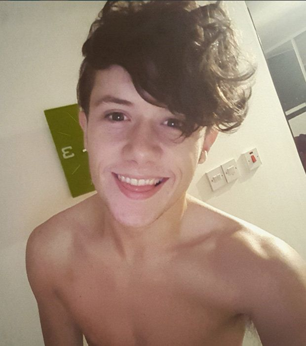 Welcome To CartGuide. : Celebrity news: X-factor's Ryan Lawrie charges fans for autographs.