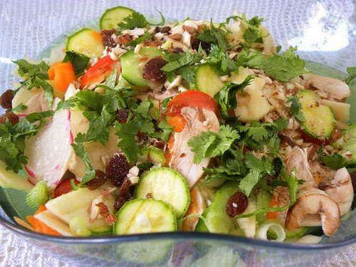 Σαλάτα με Ωμά Λαχανικά, της Ήβης Λιακοπούλου / Raw Vegetables Salad, by Ivy Liacopoulou. http://www.kopiaste.info/?p=12711