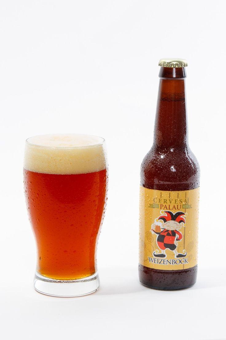 Cerveza artesana Palau Weizenbock de Cervesa Palau.  La cerveza artesana Palau Weizenbock se elabora en Terrassa, localidad dónde tiene la cervecería artesana Cervesa Palau. Esta cerveza es del estilo que le da nombre, Weizenbock . Es una cerveza rubia de trigo, elaborada con maltas Wheat, Munich, Cara ambar y Aromàtic. Una artesana para tomar bien fresquita.  ¿Quieres probar una gran cerveza trigo?