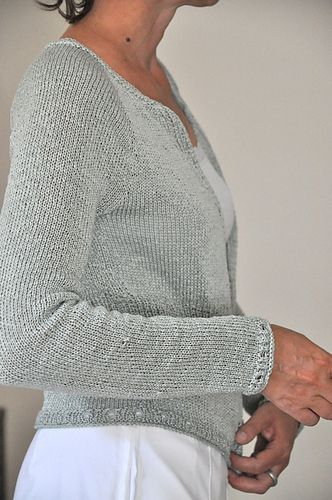 This pattern is available as an individual download and it's the 3rd pattern of the Ahoi e-book with 5 seaside sweaters.