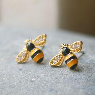 Best 25+ Bee jewelry ideas on Pinterest | Bee, Bee ring ...