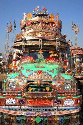 India Style Tow TruckThe Roads, India Style, Trucks Art, Pakistani Trucks, Art Blog, Folk Art, Bus, Asian Style, Roads Trips