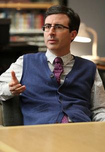 #Community Exclusive: John Oliver Returns for... Big Butt Mystery!?