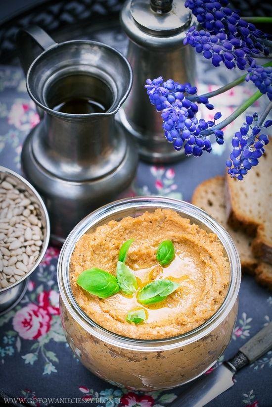 Aromatyczna pasta słonecznikowa (do pieczywa)