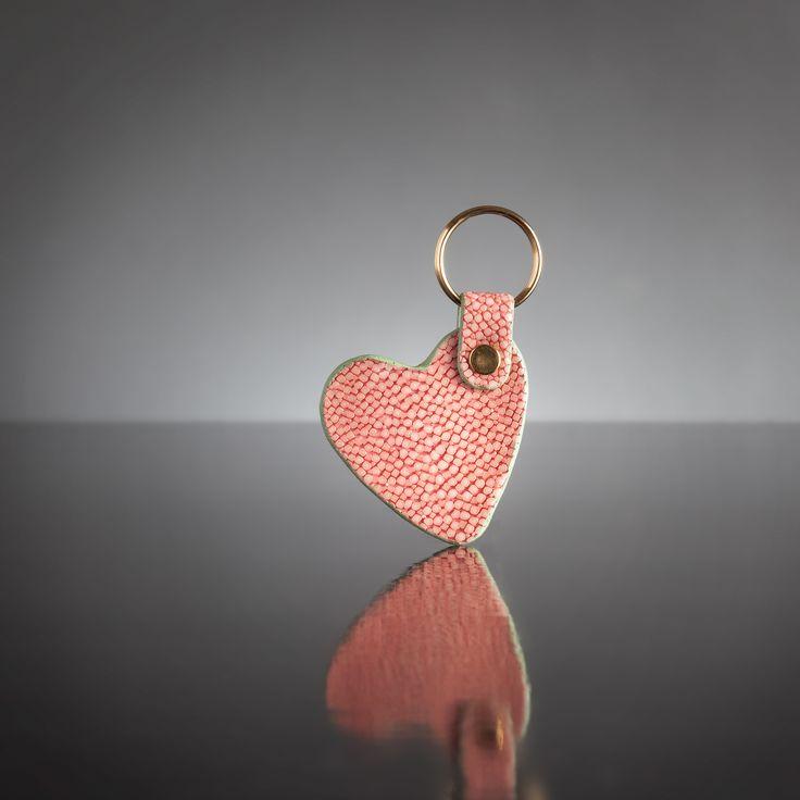 Our adorable shagreen key ring. // Notre adorable porte-clé en galuchat. Available on // Disponible sur : http://www.galerie-galuchat.com/boutique/porte-cles-galerie-galuchat