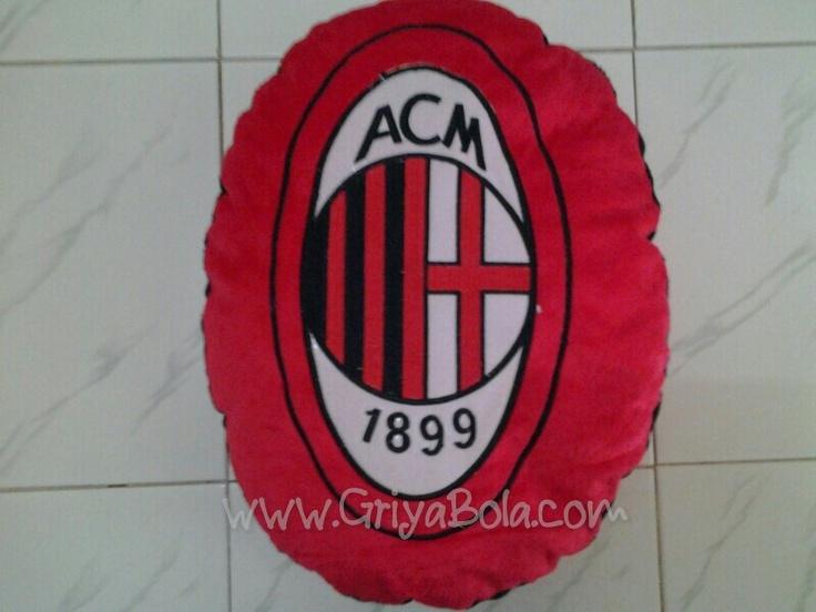 Bantal Milan