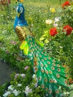 Alfa img - Showing > Peacock Made of Bottles