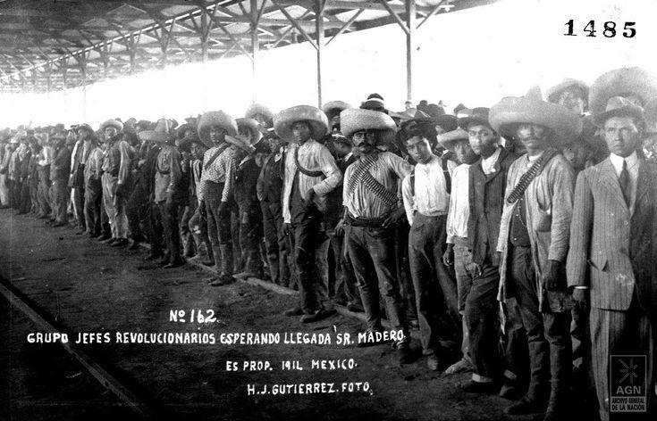 Waiting for Francisco Madero, 1911.