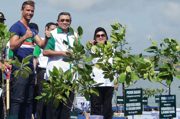 Cristiano Ronaldo : Save the Mangrove, Save the Earth