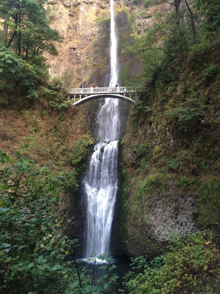 Multnomah Falls in Oregon - beautiful!