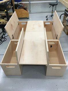 À faire avec un espace entre les coffres pour les roues