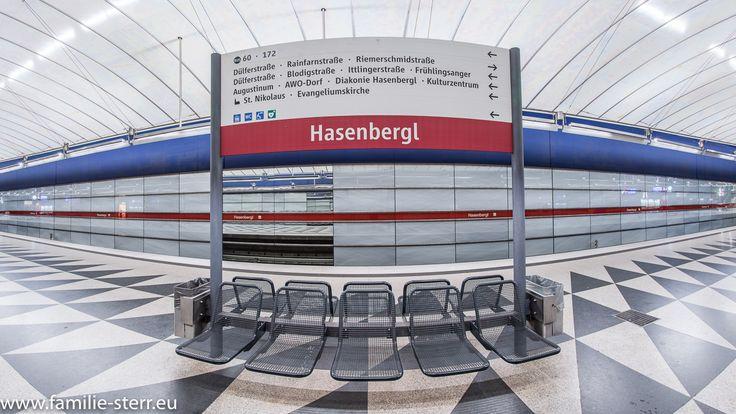 Schild im Bahnhof Hasenbergl / U2 / U-Bahn München