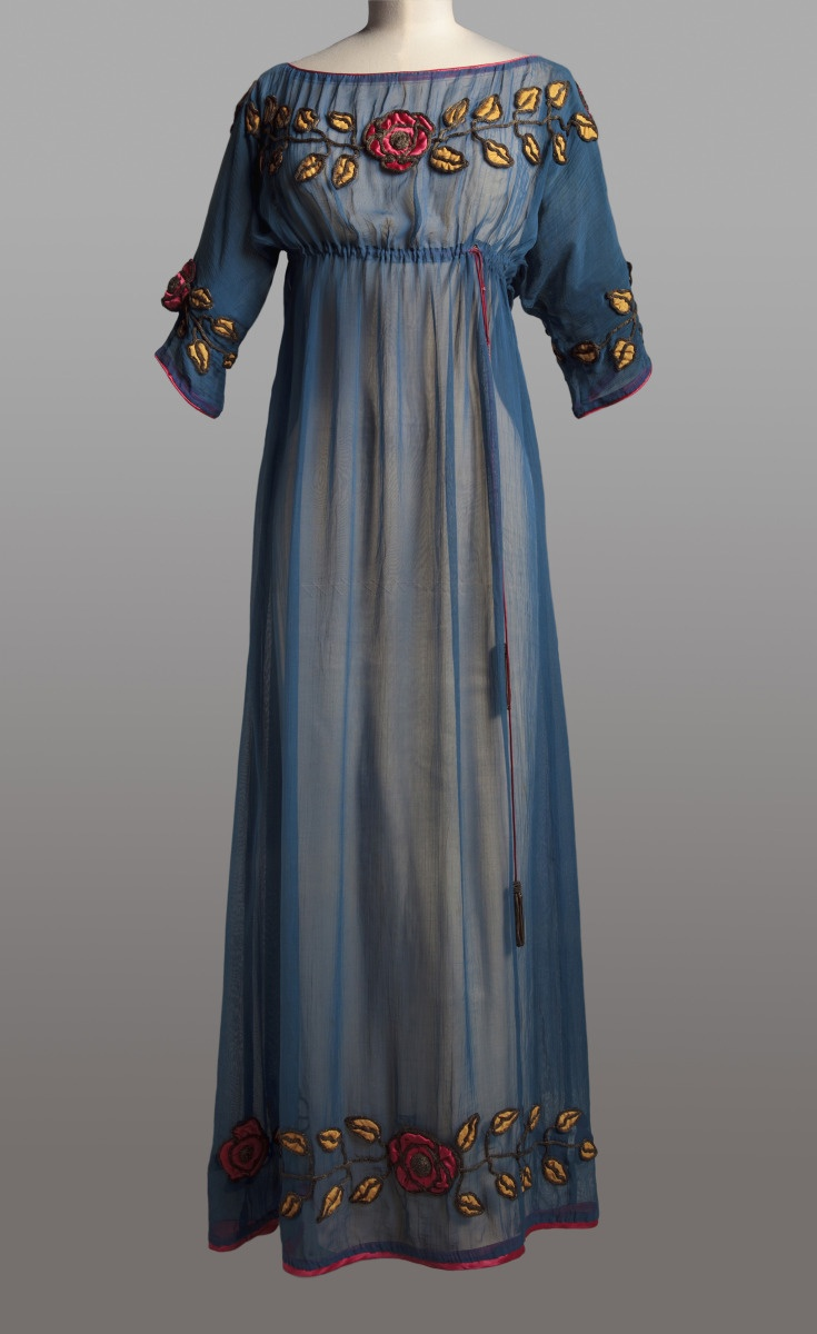 Afternoon dress by Paul Poiret ca. 1908 (Photo: © Collection Musée Galliera)