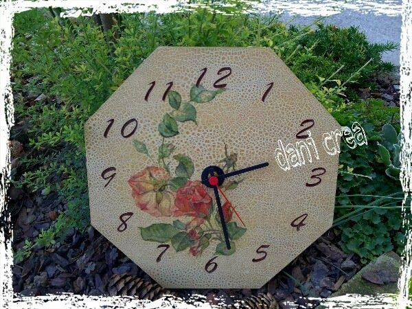 http://ilfilodimais.blogspot.it/2013/10/decoupage-orologio-rose.html