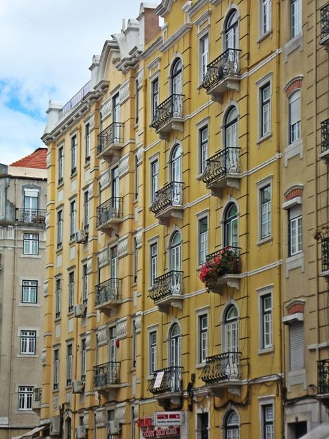 Lisboa - colors and balconies in the sunny bright city! #Portugal