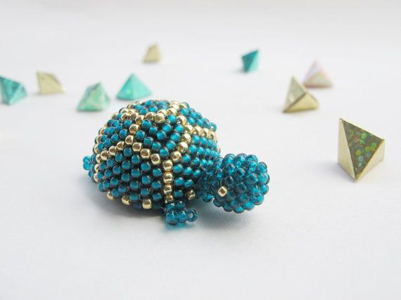 Miniature beaded turtle, turtle, funny animal, cute creature, beaded, unique gift, collectible, cute, accessory, teal, mini