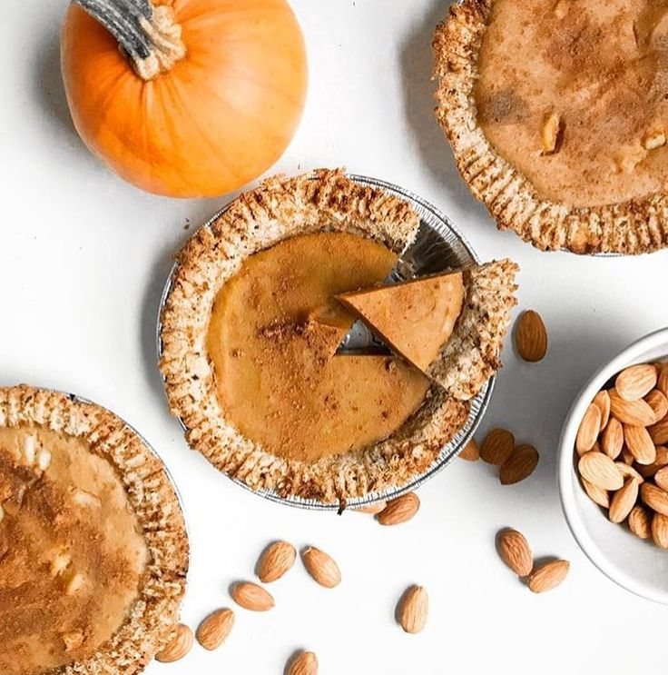 Picture perfect. Protein & pumpkin may just be the hottest duo this season. Bring on the festivities! 📷/🎃: @wholeonlife _____________ #pumpkin #pumpkinproteinpie #leanfit #foodie #foodblogger #proteinpacked #energy #vitamins #minerals #health #healthnut #healthy #thanksgiving #givethanks #pumpkinspice #canada #wellness #natural #live #vegan #vegetarian #glutenfree #igphoto #leanfitbrand