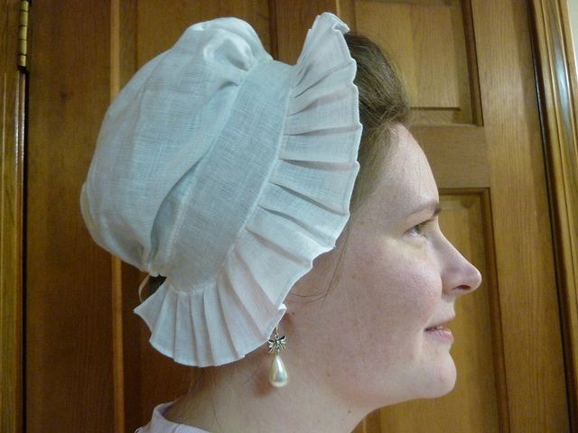 How and documentations for 18th century round eared cap