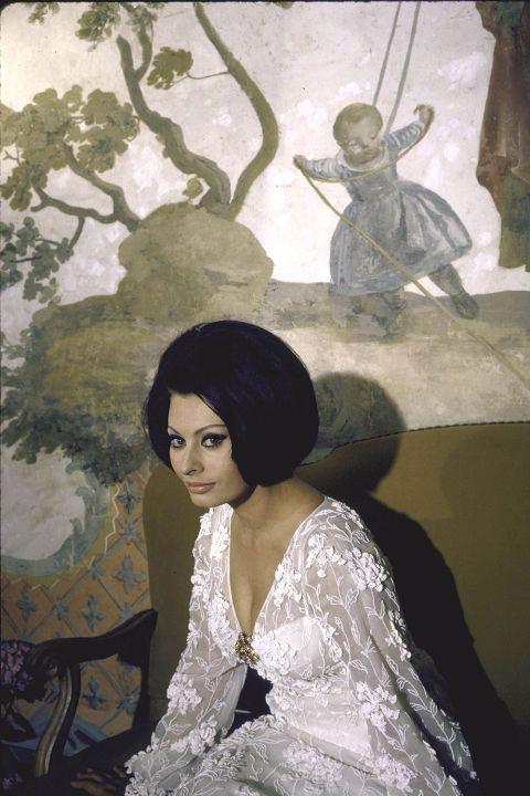 Sophia Lorens iconische stijl in 40 foto's