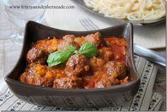 Kofta daoud bacha, une savoureuse recette syrienne de boulettes de viande hachée en sauce. accompagnez avec du riz pour avoir un repas complet