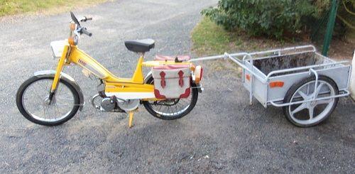 Mobylette-N-40-T-1971-moteur-monocylindre-deux-temps-49cc-refroidi-par-air-graissage-par-mélange-embrayage-automatique-freins-à-tambour-cyclomoteur-Mobylette-Pantin-France-Europe