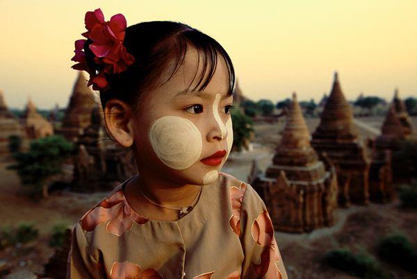 Little girl of Bagan, Myanmar