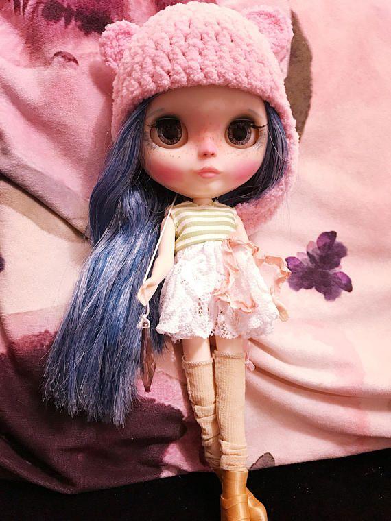 Dubna Blythe modré vlasy panenka