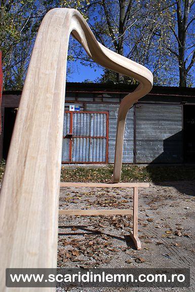 Atelierul de tamplarie scara interioara de lemn, mana curenta din lemn curbat, placare trepte lemn, preturi proiectare amenajare