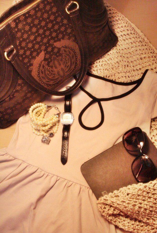 Muezza -genuine leather bag embossed with Truntum Gurdo pattern- by EnvyMe