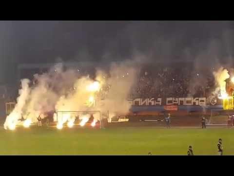 Borac Banja Luka - Partizan (Grobari Bakljada) 25.03.2016 - YouTube
