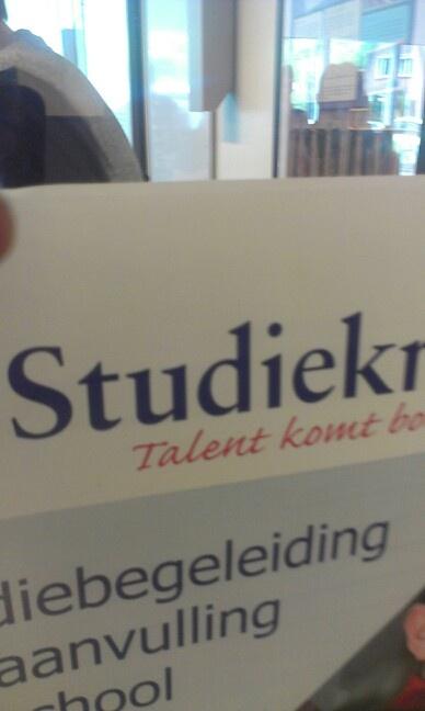 Naam van een bedrijf op school