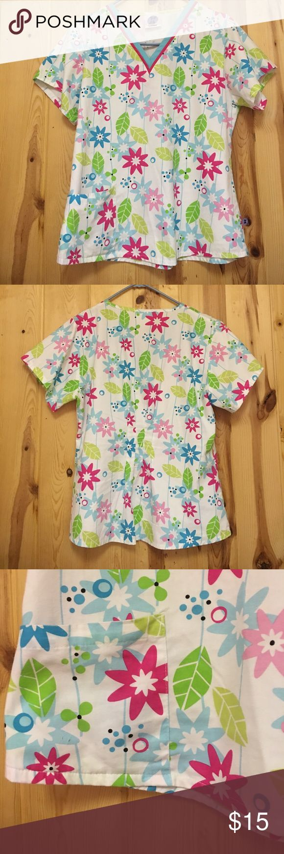 Landau Scrub Top Small EUC Landau Scrub Top Small EUC  Top has one right front pocket Landau Tops