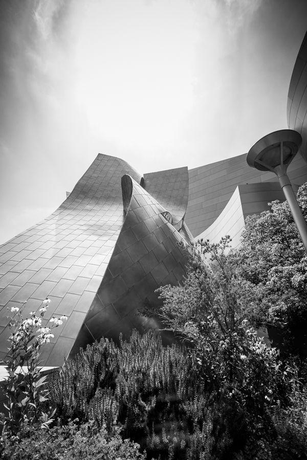 Walking through Downtown LA by Alejandro de Leon, via Behance