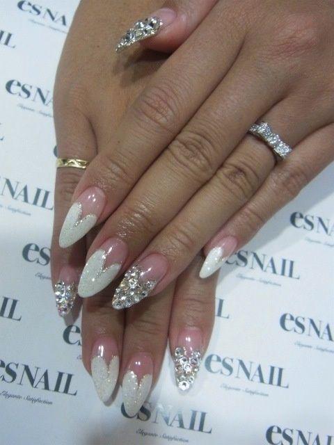 white & gold heart stiletto nails I LOVE THIS!