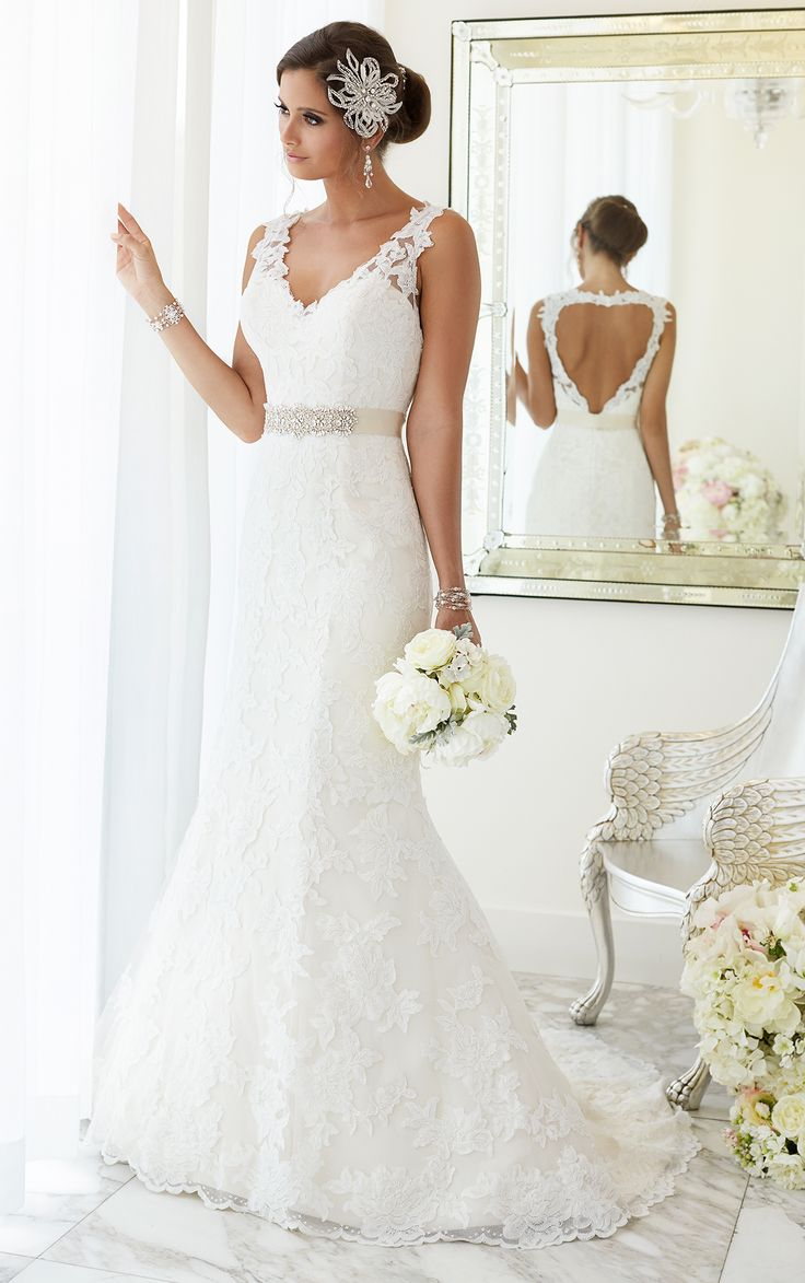 Beautiful heart-shaped keyhole back gown from the Essense of Australia wedding dresses collection. Fit-and-flare with hand-sewn Diamante beading on Lace over Satin.