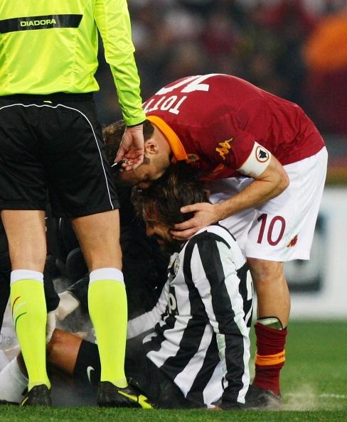 Roma-Juventus le pagelle: Pirlo picchiato e pericoloso
