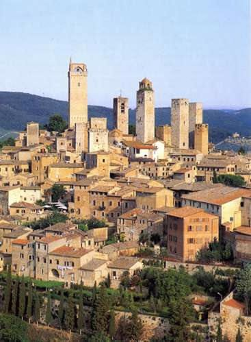 "San Gimignano, province of Siena, Tuscany  SACI fieldtrips include San Gimignano, ""the Medieval Manhattan""  http://www.saci-florence.edu/17-category-study-at-saci/90-page-field-trips.php"