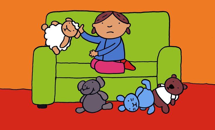 """Verhaal: Jij mag er ook bij - prent 2 """"Marieke wordt heel moe. Ze wil in de zetel liggen, maar … ze heeft te weinig plaats. Eerst gooit ze beer zomaar op de grond. Daarna duwt ze konijn uit de zetel. Een beetje later rolt olifant met een grote plof uit de zetel. En dan valt zelfs schaap over de rand."""""""
