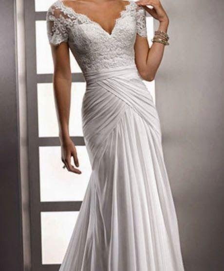 vestido de novia manga corta, escote v y drapeado en las caderas