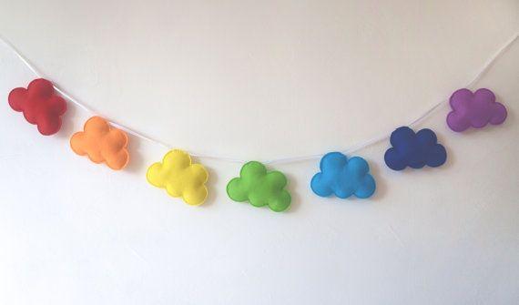 Hoi! Ik heb een geweldige listing op Etsy gevonden: https://www.etsy.com/nl/listing/244375324/regenboog-slinger-regenboog-wolkjes