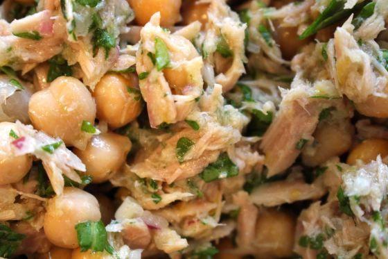 Tuna & Chickpea salad. made this tonight.  SO. EFFING. GOOD!!!!