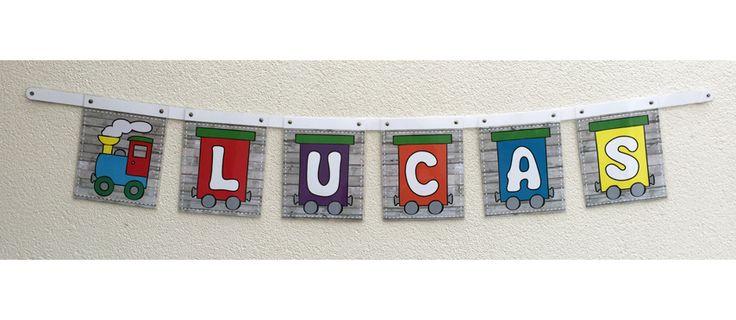 Trein naamslinger. Vrolijke kleurtjes en kan op de slaapkamer of een kinderplek opgehangen worden. Ook leuk voor in de kleuterklas. Slinger kan met iedere tekst gemaakt worden.