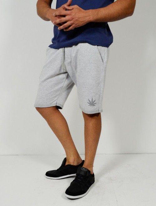 Comprar bermuda deportiva de hombre con estampado Weed disponible en varios colores. Comprar bermudas y pantalones de hombre en Latiendajoven.com las últimas tendencias en moda joven y streetwear al mejor precio.