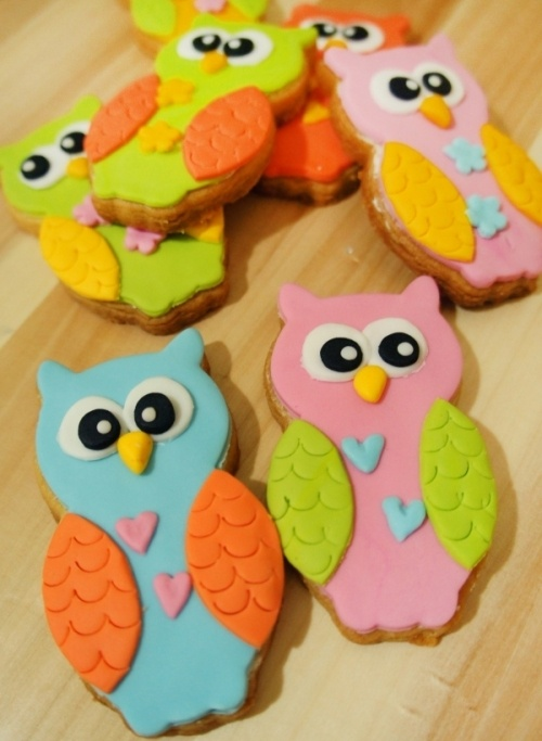this website is all about owls! I DON'T MIND!    p.s. i'd love to make these cookies one day!