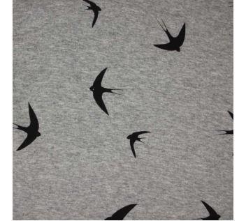 350**Teplákovina šedá s plyšem, černí ptáci, š.150