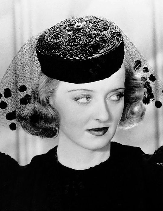 "bettedavis: ""Bette Davis in Marked Woman, 1937 """
